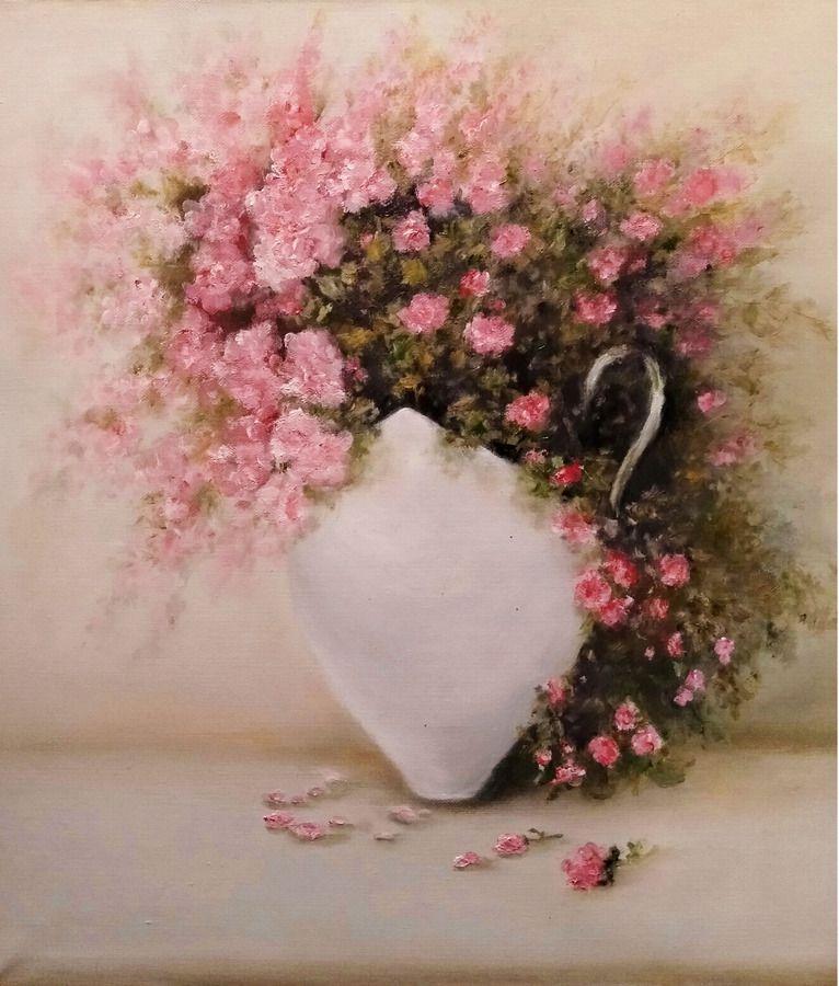 Розовый букет в чашке