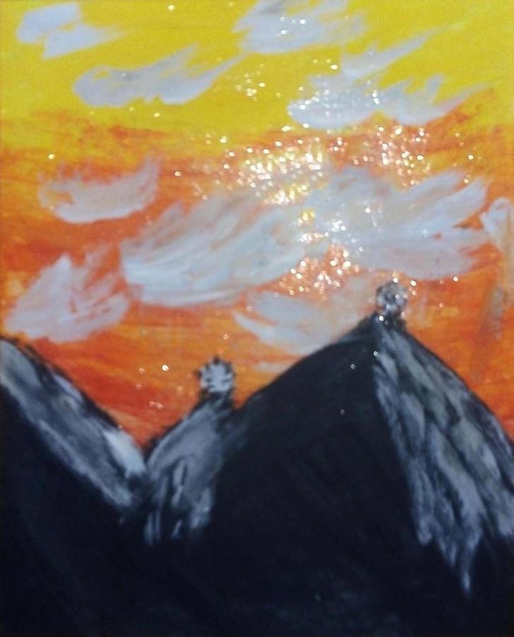 Закат с чёрными горами